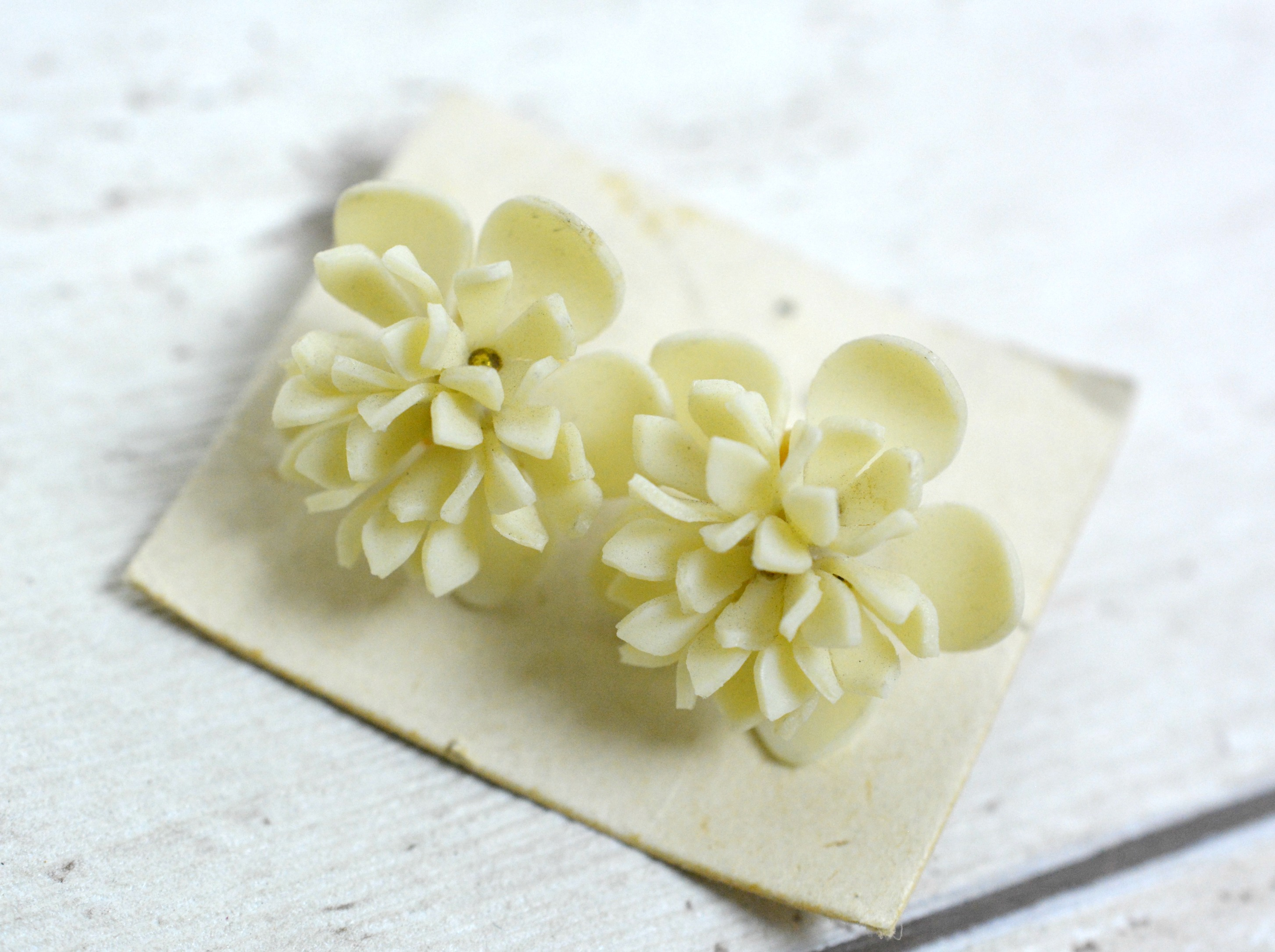 Cream Flower Earrings