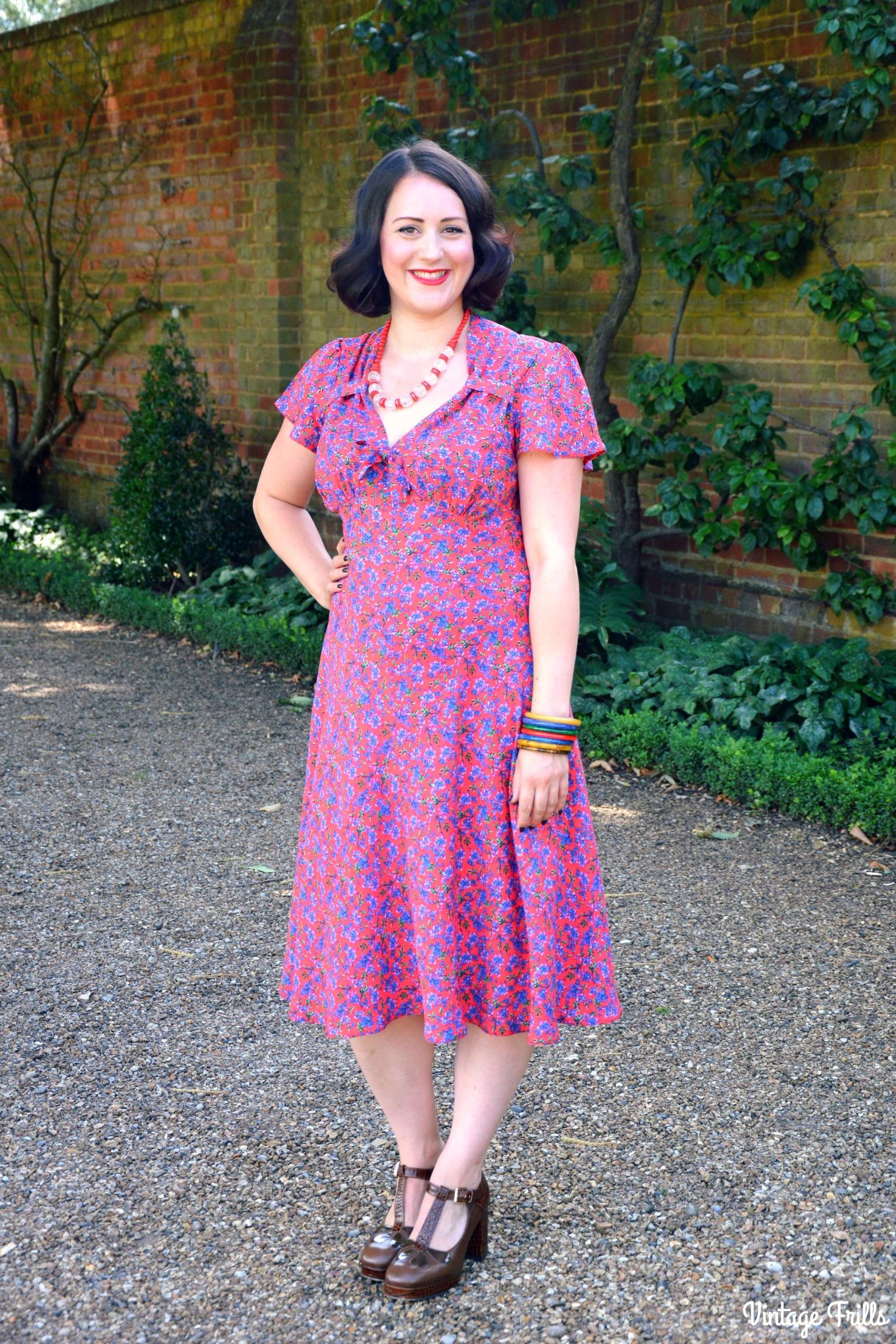 Pretty Retro Red Ditsy Tea Dress Review