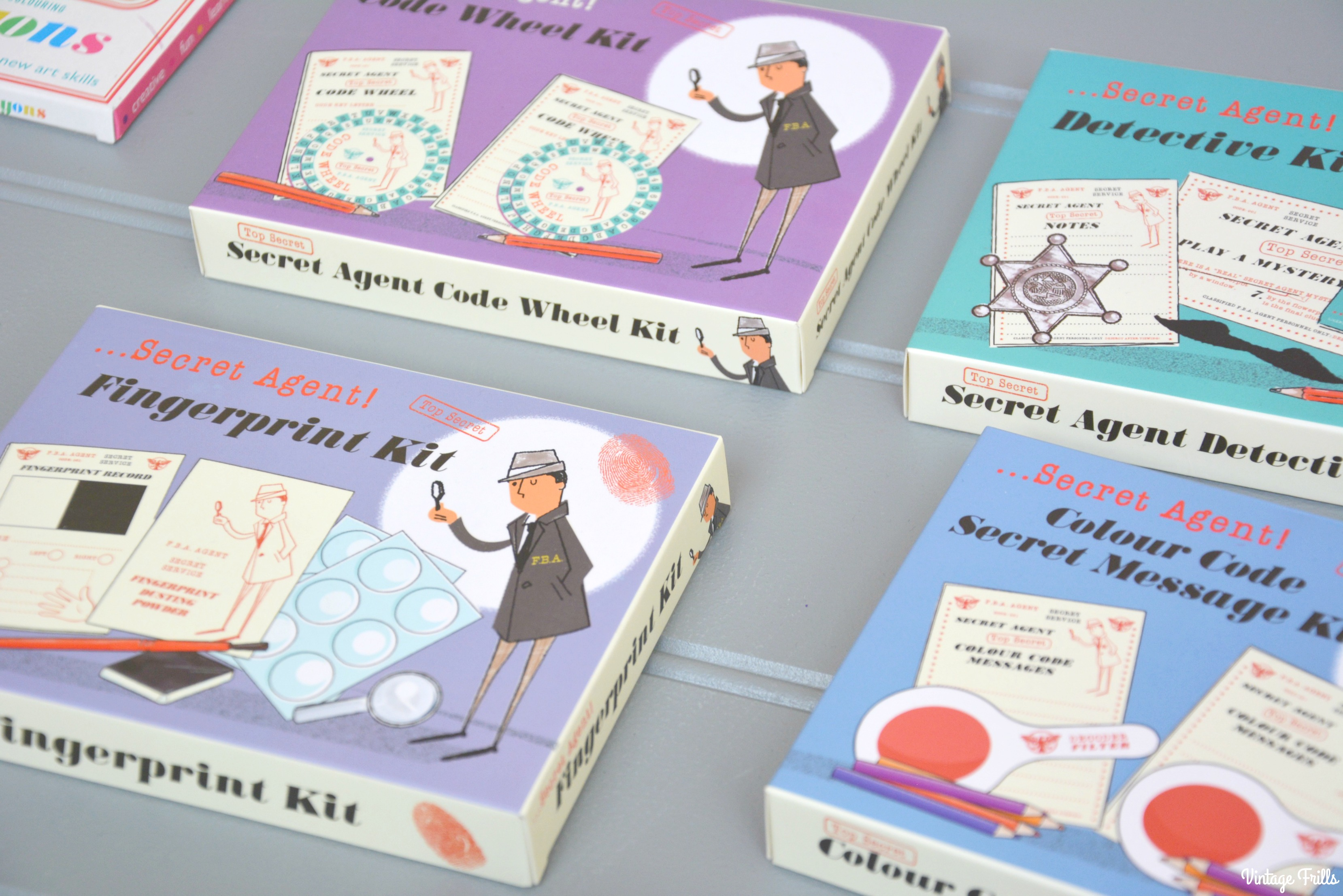 dot-com-gift-shop-christmas-secret-agent-kits