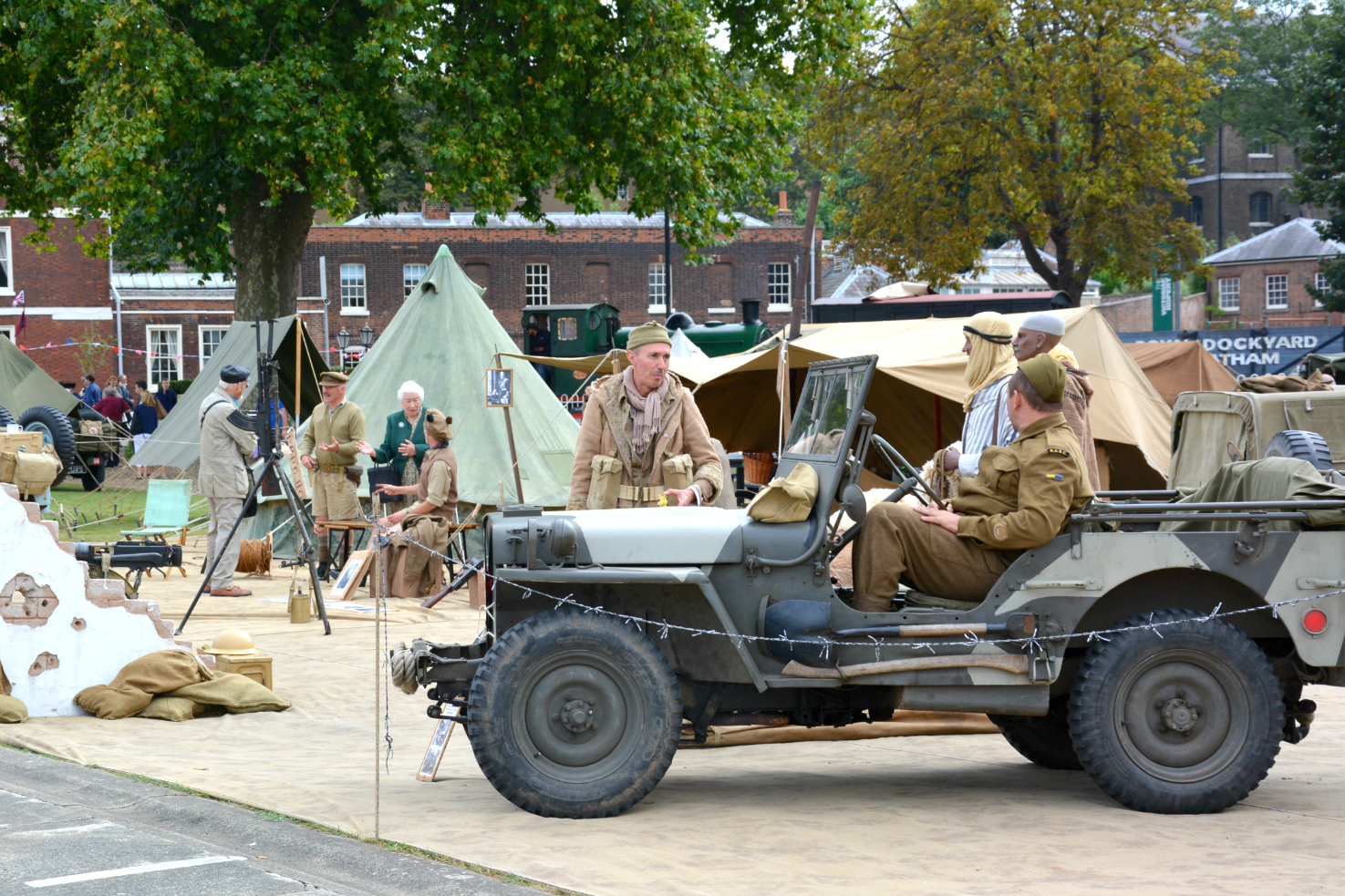 salute-to-the-40s-desert-reenactors