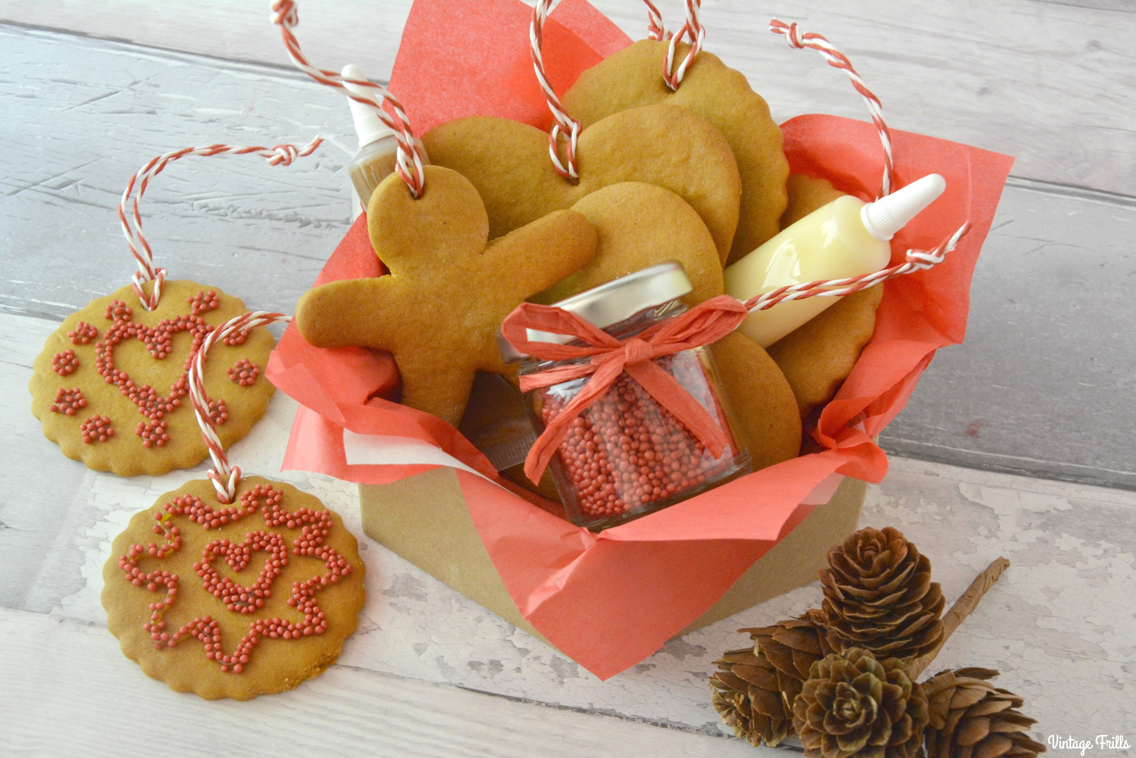 How to Make a Gingerbread Decoration Gift Set #Blogmas
