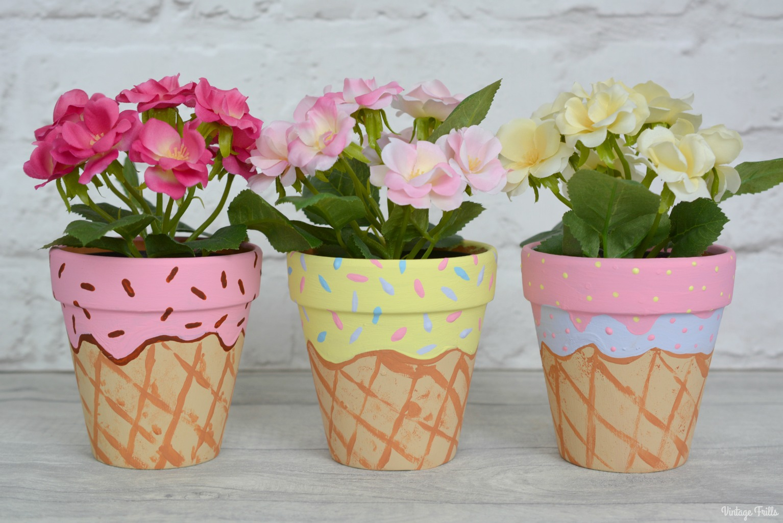 The Ice Cream Theme – Pretty Plant Pots for Lila's Room